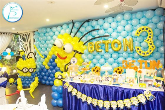 Trang trí tường bong bóng sinh nhật Minion