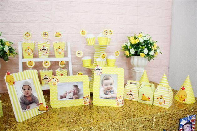 Trang trí sinh nhật trọn gói bé màu vàng hoàng gia sang trọng