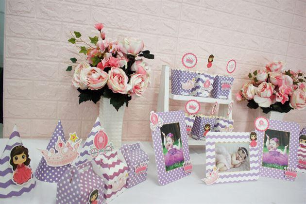 Góc bàn tiệc sinh nhật bé với set mini
