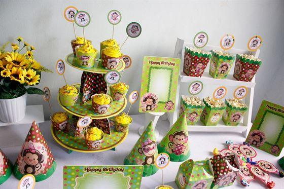 trang trí sinh nhật bé gai tuổi khỉ