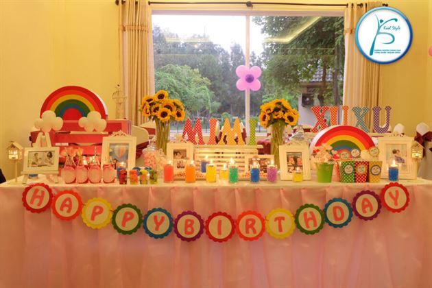 bàn sinh nhật bé gái 1 tuổi