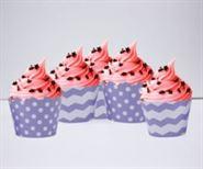 Vỏ bánh cupcake màu tím chấm bi