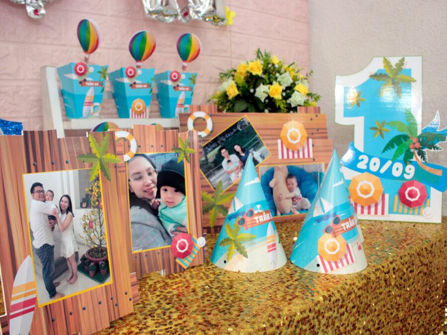 Góc bàn trang trí sinh nhật cho bé