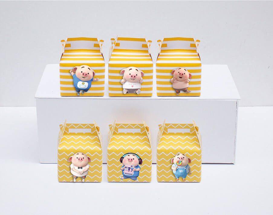 Tem hộp quà sinh nhật bé heo trai màu vàng hoàng gia