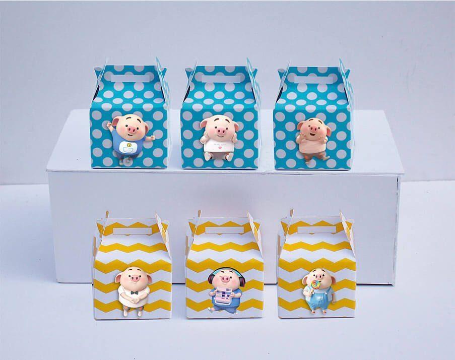 Tem hộp quà sinh nhật bé heo trai màu xanh min vàng