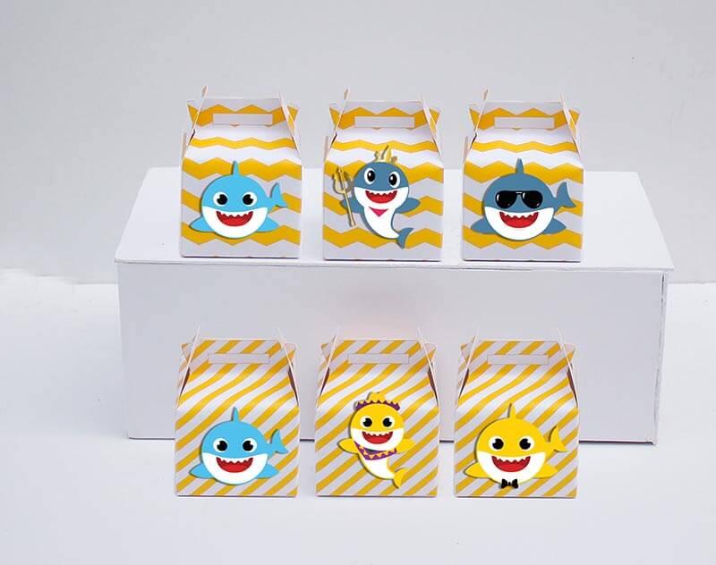 Set hộp quà sinh nhật Baby Shark boy màu vàng zigzag