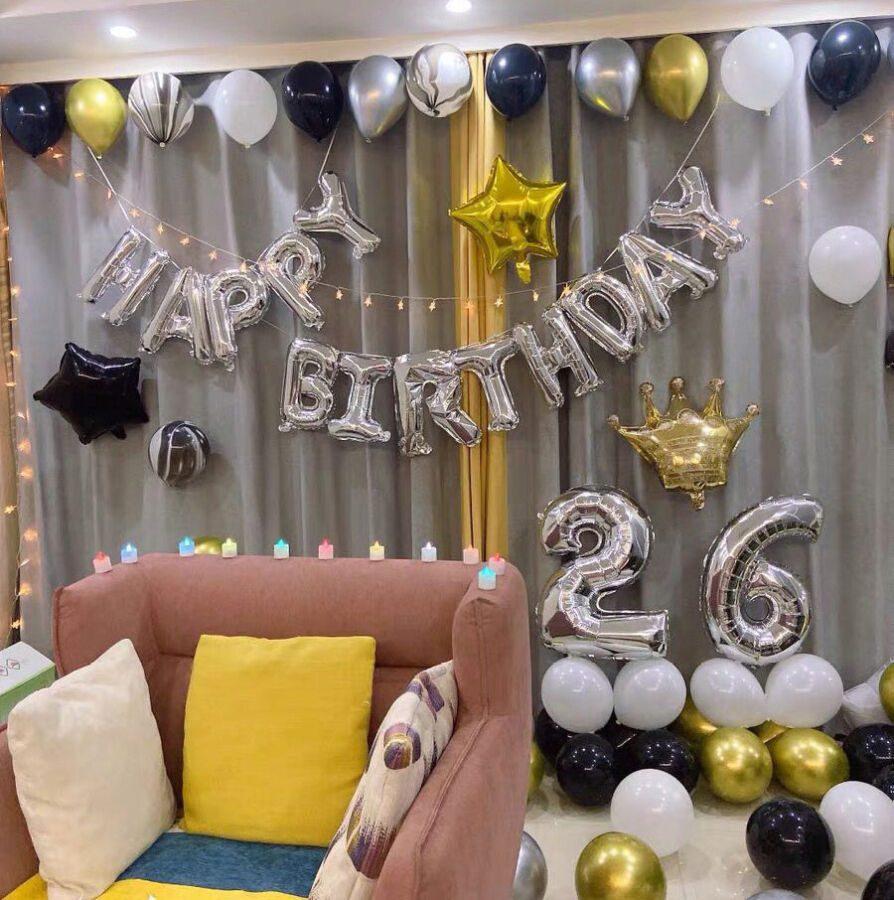 Trang trí sinh nhật 26 tuổi tông màu bạc