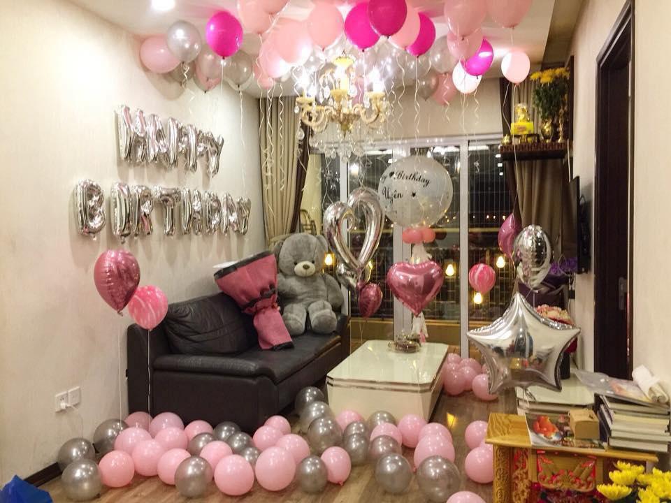 Trang trí sinh nhật bạn gái tại phòng khách