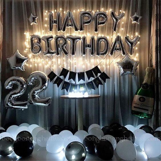 Trang trí sinh nhật tuổi 22 màu trắng bạc
