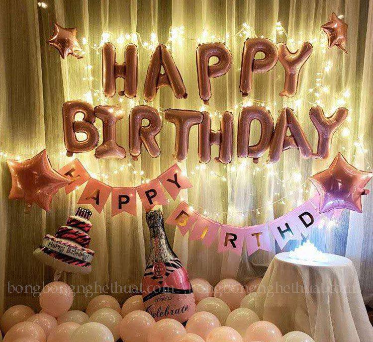 Trang trí sinh nhật màu hồng kết hợp dây đèn