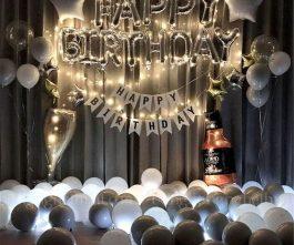 Trang trí sinh nhật tông màu trắng kết hợp dây đèn