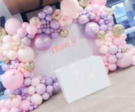 Sân khấu sinh nhật pastel hồng tím