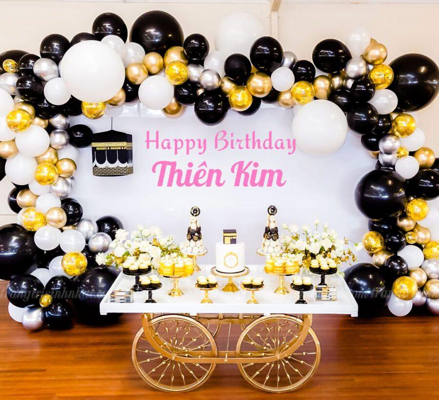 Sân khấu sinh nhật tông đen vàng đồng