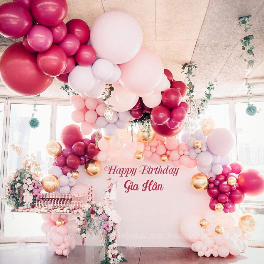 Trang trí background sinh nhật bé gái màu hồng cánh sen