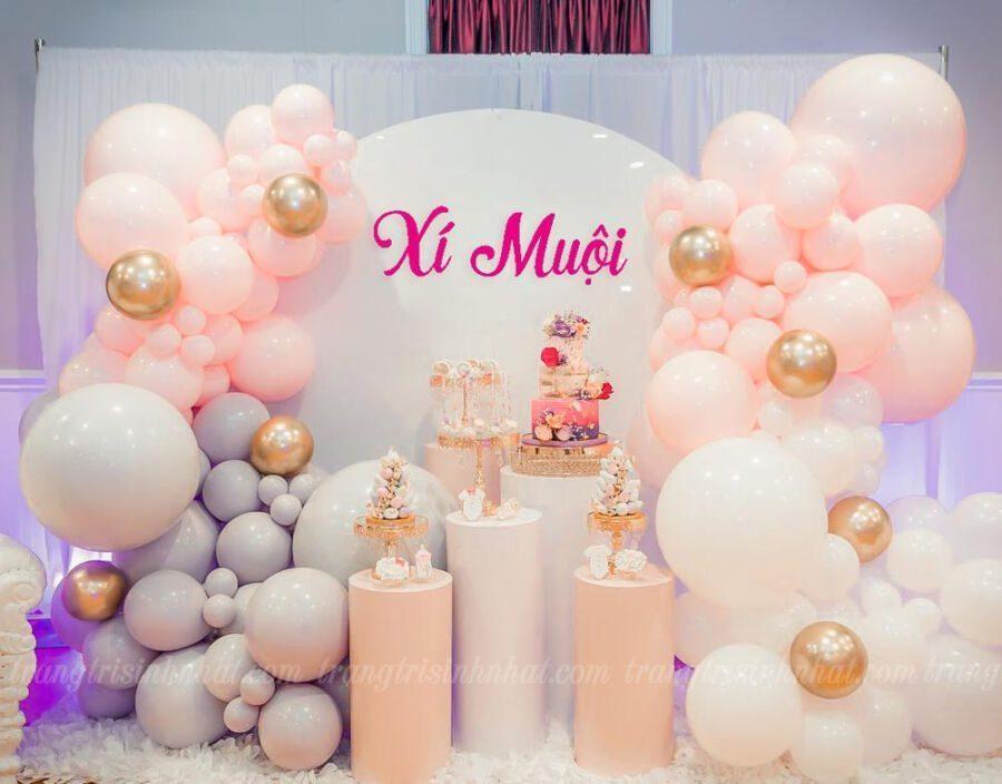 Trang trí bong bóng sinh nhật hồng