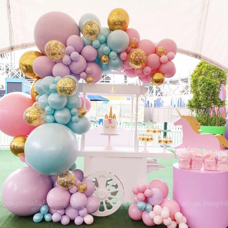 Trang trí xe kem sinh nhật cho bé gái