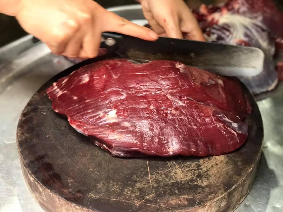 cách chọn thịt trâu cho món thịt trâu gác bếp