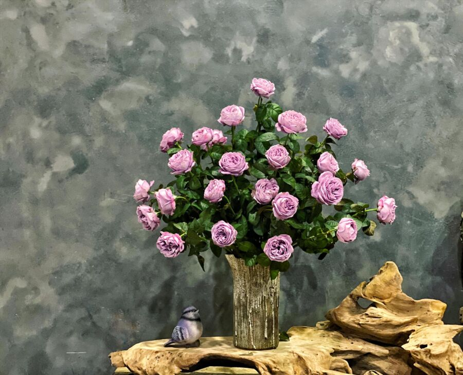 Hồng này cứng nên e chọn miệng loe để hoa ko bị chụm