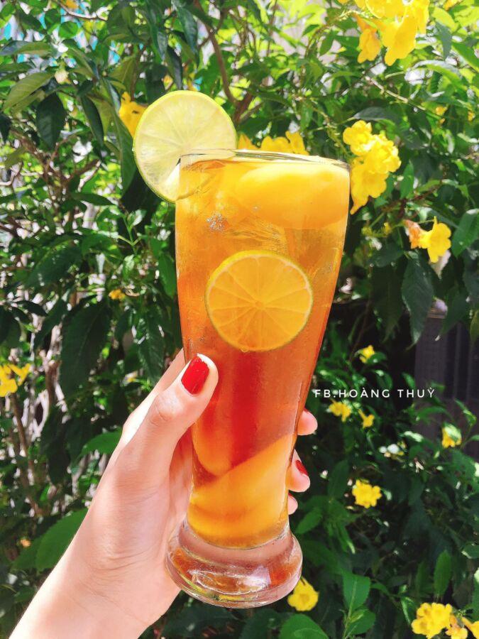 mời mọi người thưởng thức món trà đào cam sả