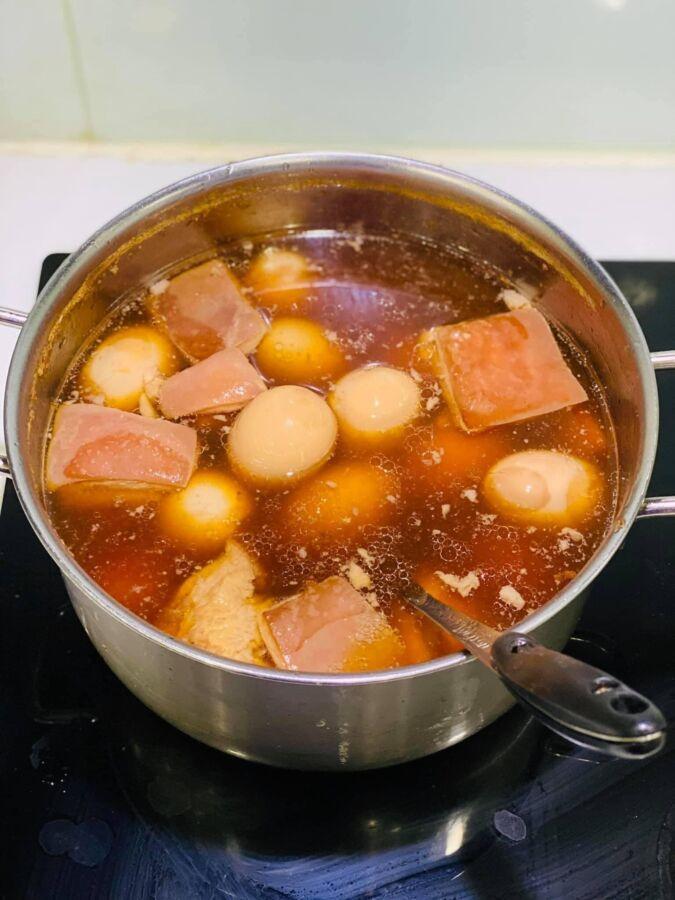 hôm nay em chia sẻ cách làm món thịt kho tàu siêu ngon