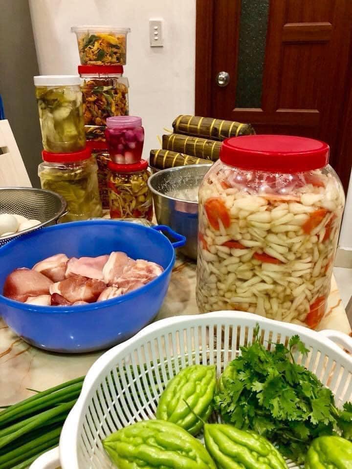 nguyên liệu cho món thịt kho hột vịt