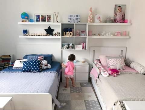 Phòng trẻ em chung màu hồng và xanh dương