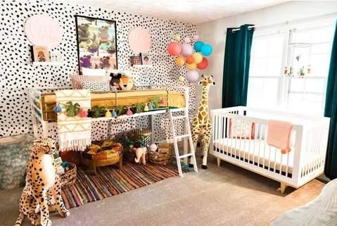 Phòng trẻ em chung đầy màu sắc