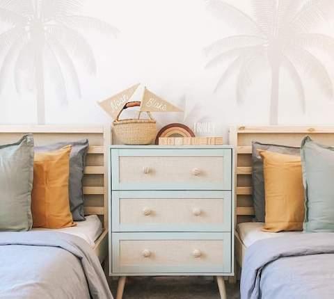 Phòng ngủ chung cho trẻ em màu trung tính